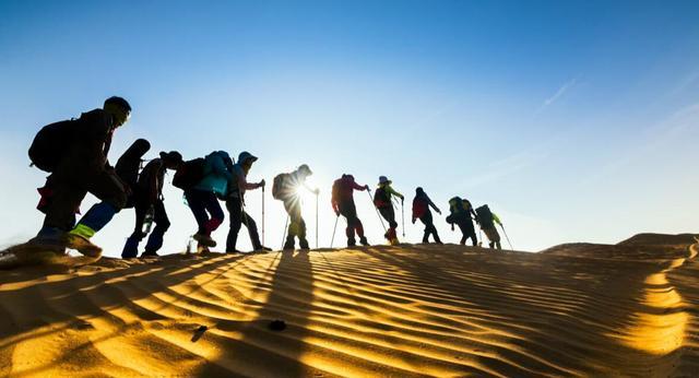 腾格里沙漠五湖穿越!5日最美徒步行程!